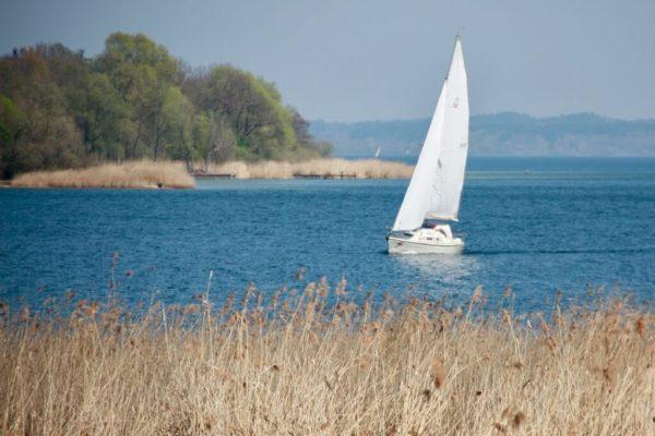 Segelboot vor der Herreninsel