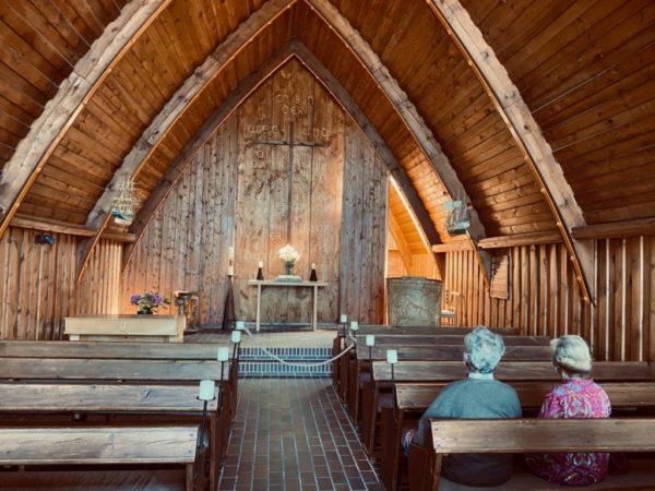 Ganz aus Holz: die Schifferkirche