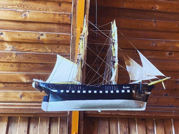 Schiff im Kirchenschiff