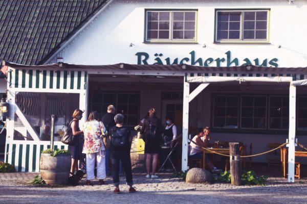 Räucherhaus am Hafen in Altenhagen