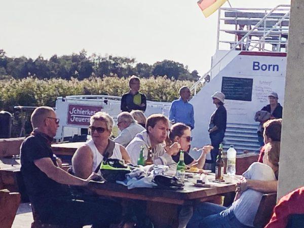 Einkehr am Boddenhafen in Born