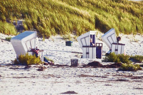 Strandkorbparade am Strand von Vitte