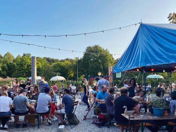 Hipsterbiergarten: Gans am Wasser im Westpark