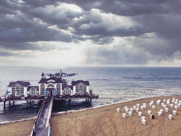 Strand von Sellin mit Seebrücke