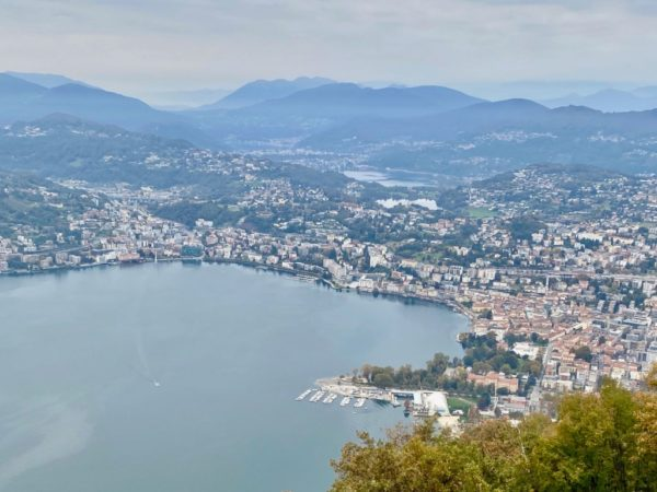 Lugano: Stadt, Berg und See