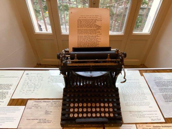 Auf dieser Schreibmaschine schrieb Hesse manchen Bestseller