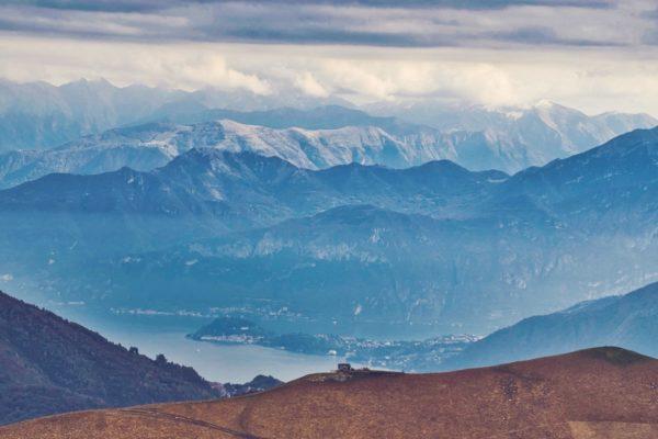 Blick auf die Schweizer Alpen vom Monte Generoso