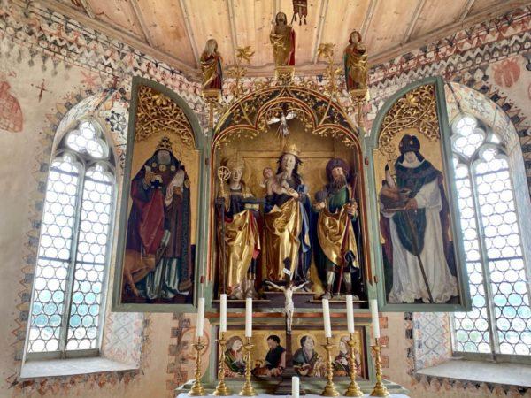 St. Jakobus grüßt vom Schnitzaltar