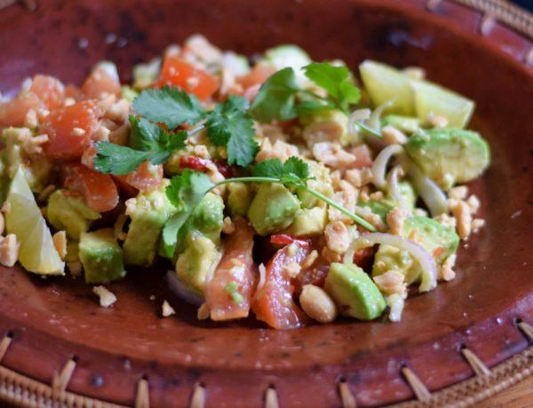 Avocadosalat aus Myanmar