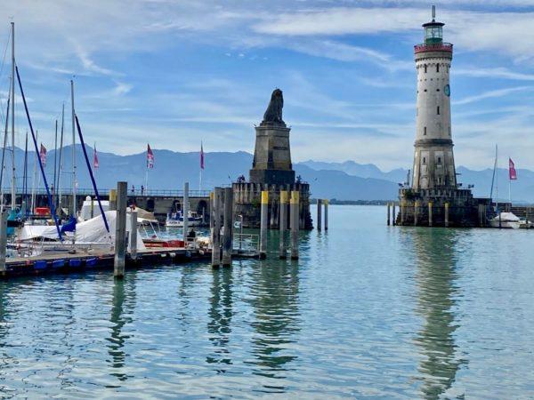 Lindau am Bodensee: Hafen mit Leuchtturm und bayerischem Löwen