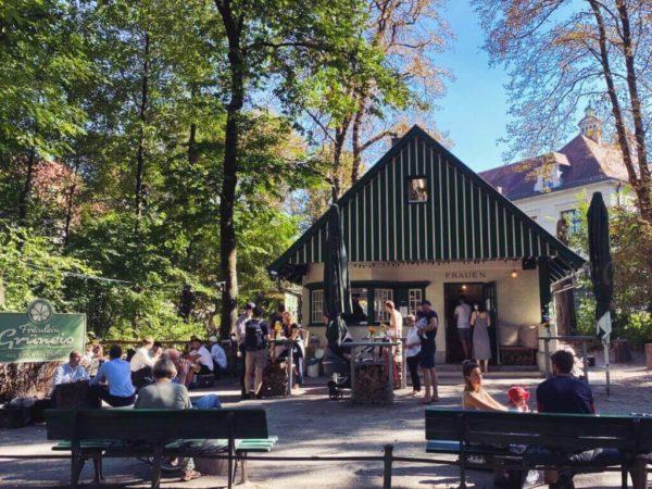 Kiosk Fräulein Grüneis im Englischen Garten
