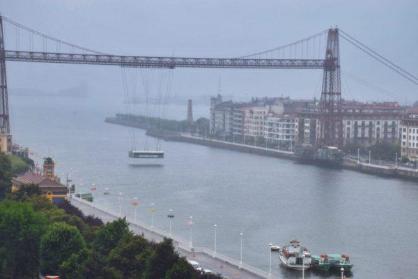 Schwebende Brücke in Bilbao