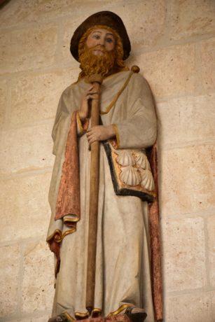 Der heilige Jakobus mit Pilgerstab und Jakobsmuschel