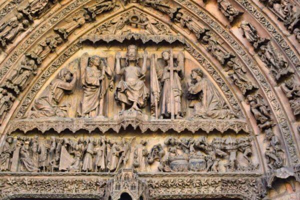 Tympanon der Kathedrale von Burgos
