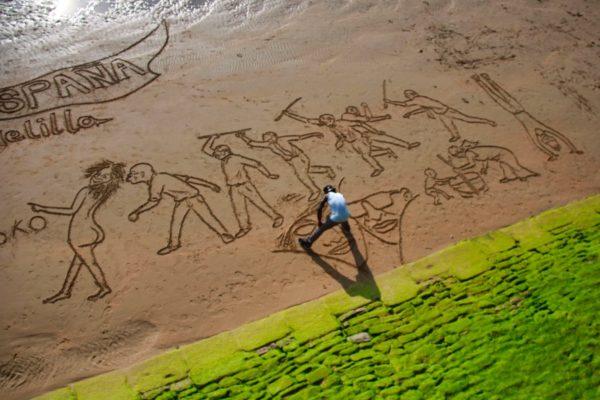 Sandkünstler in San Sebastian