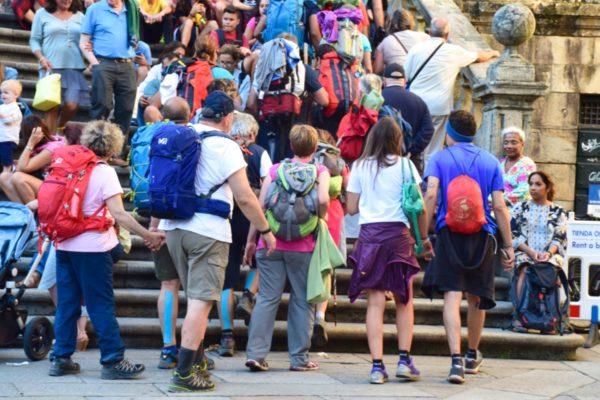 Santiago de Compostela: Pilger auf dem Weg in die Kathedrale