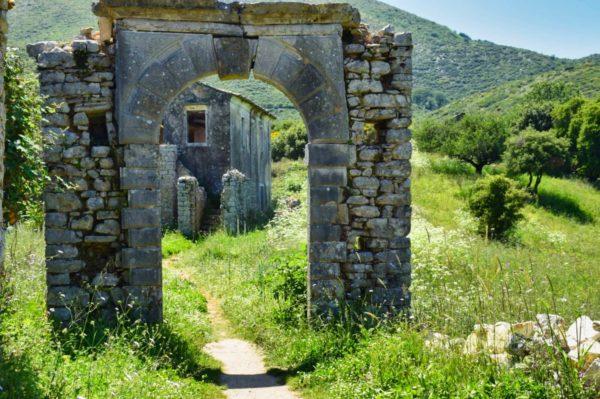 Grüne Idylle: Das wiederbelebte Bergdorf Perithia