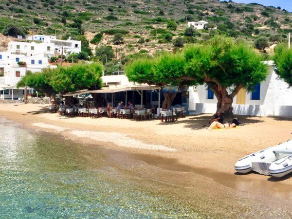 Sifnos: Strand von Vathi Bay