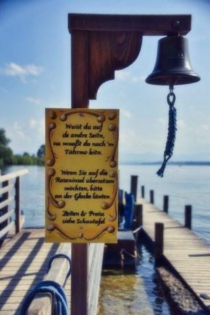 Glocke für das Fährboot zur Roseninsel