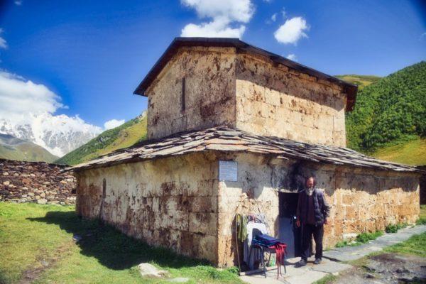 Georgien, Swanetien – Ushguli, Kirche