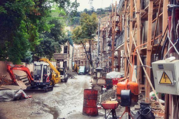 Georgien, Tiflis – Baustelle im Jugenstilviertel Sololaki