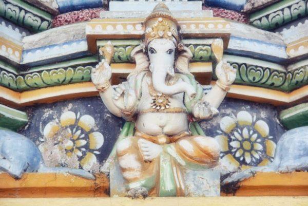Sri Lankas Norden: Elefantengott am Hindutempel