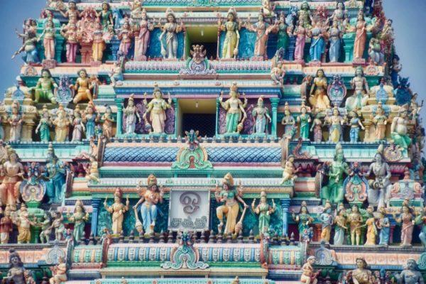 Sri Lankas Norden: Götterparade am Hindutempel